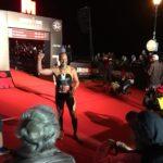 Foto van klant Martin de G. na het behalen van de finisch Iron Man triatlon in Wales. Succes mede behaald door Esbima diepe bindweefselmassage bij massagepraktijk Trans Esbima.